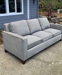 Modern Gray Sleeper Sofa : Free Delivery and Setup for Sale in Oakland,  CA