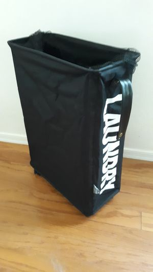 ROLLING LAUNDRY SLIM BAG WITH PULL HANDLE / BRAND NEW for Sale in Surprise, AZ