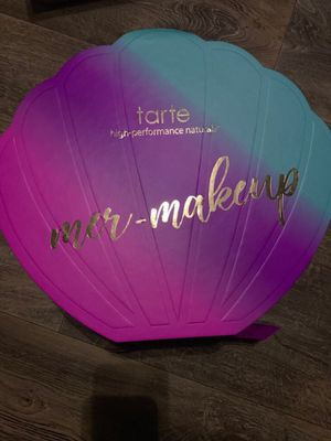 Rare Tarte limited edition mermaid makeup vault for Sale in San Angelo, TX