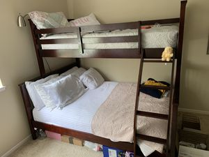 Detachable Bunk Bed (Full Size on bottom and Twin on Top) for Sale in San Diego, CA
