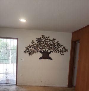Decoracion arbol de metal $20.00 for Sale in Hacienda Heights, CA