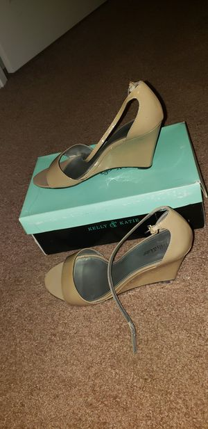 Kelly & Katie sandals for Sale in Monroe Township, NJ