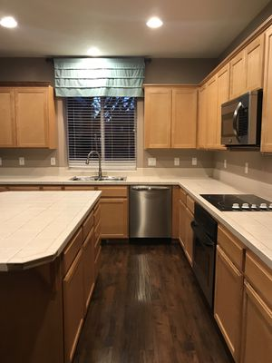 Kitchen cabinets and appliances for Sale in Oregon City, OR