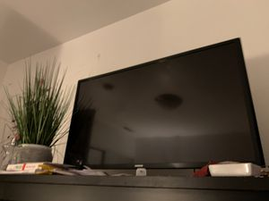 """32"""" smart Samsung TV with remote for Sale in Daly City, CA"""