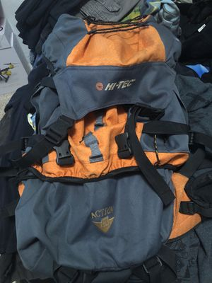 Hi-tec back pack 45L for Sale in Miami, FL