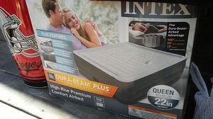 Intex dura beam plus air mattress for Sale in Columbus, OH