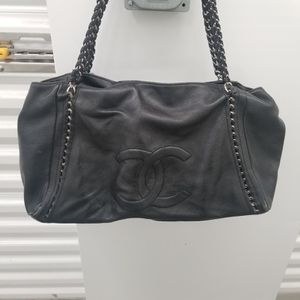 Leather Hobo bag with leather entwined chain straps. for Sale in Issaquah, WA
