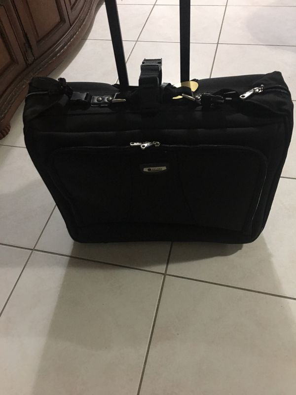 Delsey Suiter Rolling Luggage