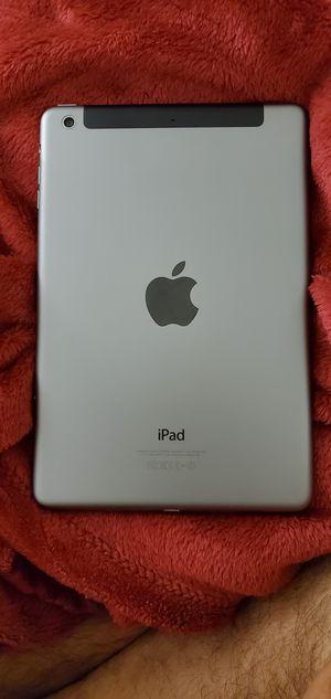 iPad Mini 2 32 GB wifi + cellular unlocked for Sale in Washington, DC