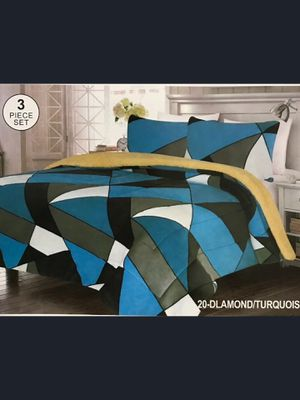 Brand New Modern Geometric Blue Grey Black Beige Super Soft Thick Warm Borrego Sherpa 3 Piece Bed Blanket Set King Size for Sale in Los Angeles, CA