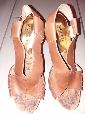 Size 8 Michael Kors ladies shoe for Sale in Hamtramck, MI