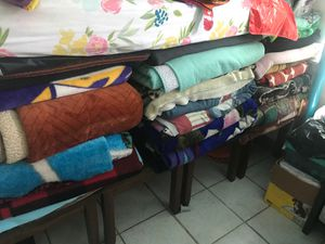 Free blankets for Sale in Los Angeles, CA