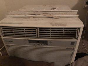 Frigidaire window AC Unit LRA107CV1 for Sale in Goodyear, AZ
