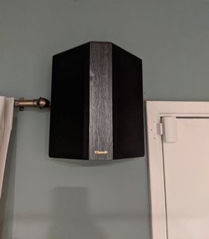 Klipsch RP-402S Surround Sound Speakers (Pair) for Sale in Downey, CA