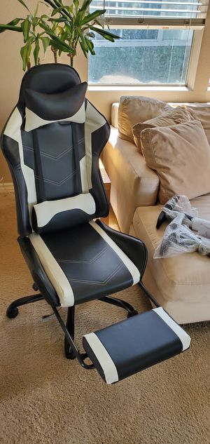 **LIKE NEW** Gaming/Desk Chair for Sale in Laguna Hills, CA