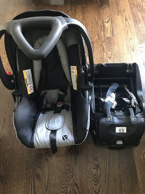 Brand new baby trend infant car seat for Sale in Everett, MA