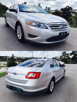 2011 FORD TAURUS CLEAN TITLE LOW DOWN for Sale in Houston, TX
