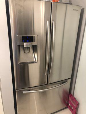 Samsung refrigerator for Sale in Miami, FL