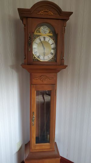 Used to grandmother clock for Sale in Canton, OH