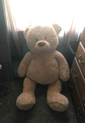 Giant teddy bear for Sale in Mount Oliver, PA