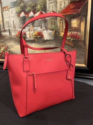 BWT Kate Spade NY Cameron Saffiano Tote for Sale in Downers Grove, IL