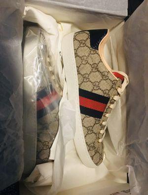 Gucci Supreme GG 38 for Sale in Chicago, IL