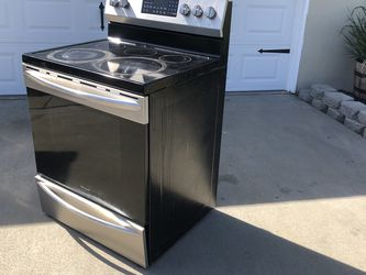 Free - Electric Stove Oven for Sale in Fresno,  CA