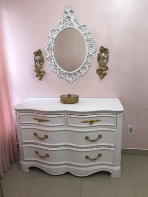 Dresser , changing table for Sale in Lehigh Acres, FL