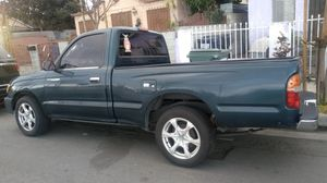 Toyota Tacoma 98 for Sale in Compton, CA