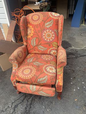FREE recliner!! for Sale in Burien, WA