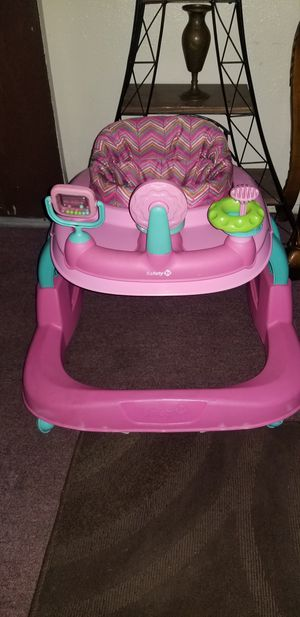 Safety 1st Walker $20 for Sale in Los Angeles, CA