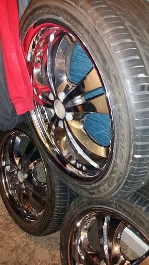 CHROME 18 inch 5 Lug rims for Sale in Fresno, CA