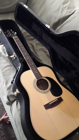 Acoustic guitar with case and strap for Sale in Fresno, CA