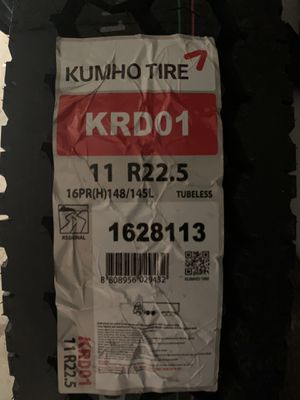Llantas de camión Kumho tire 11 R 22.5 for Sale in Downey, CA