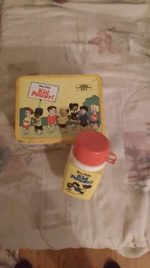 Original 1974 Wee Pals with thermos for Sale in Las Vegas, NV