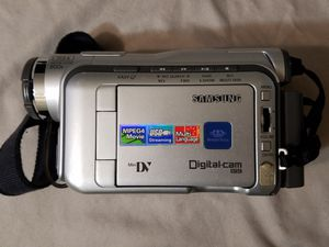 Samsung MiniDV camcorder + camera bags for Sale in Austin, TX