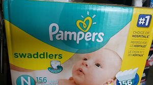 Pampers Swaddlers box of 156 diapers size : newborn for Sale in South Gate, CA