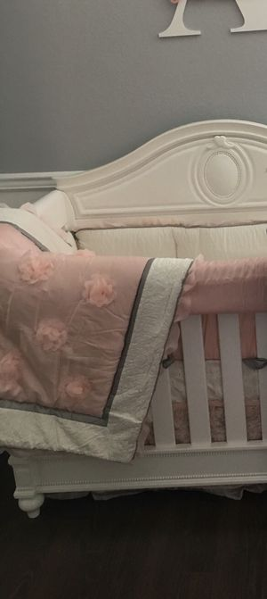 Baby girls comforter crib set for Sale in Lake Worth, FL