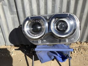 2015-2018 DODGE CHALLENGER LH HEADLIGHT HID XENON for Sale in Los Angeles, CA