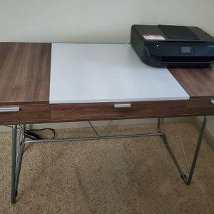 Offıce Desk Like Brand New. for Sale in La Mesa, CA