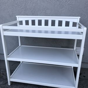 White Changing table for Sale in La Palma, CA