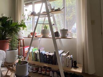 Ladder Shelf for Sale in Beaverton,  OR