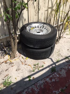Ford or Lincoln 5 lug rum and tire for Sale in Miami, FL