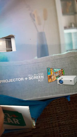 Gpx projector and 120 in screen for Sale in Sartell, MN