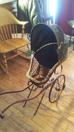 Antique baby or doll pram. for Sale in Oakland charter Township, MI