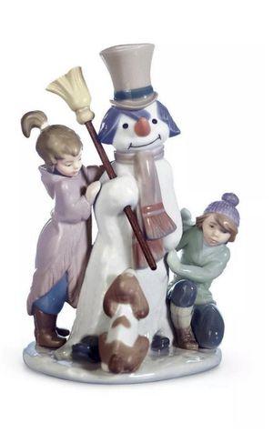 """Lladro Figurine #5713 """"The Snowman""""Boy Girl & Dog Around Snowman for Sale in Matthews, NC"""