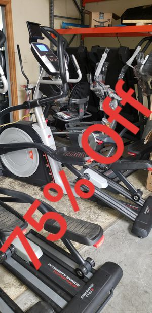 Pro-form Endurance 1120E Elliptical 350lbs weight Capacity great cardio machine for your home gym for Sale in Anaheim, CA