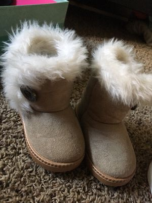 Toddler girl boots size 5 for Sale in Sandy, UT