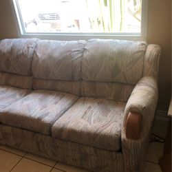 Sleeper Couch for Sale in San Diego,  CA