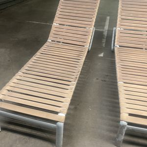 Folding Pool Side Chairs for Sale in Long Beach, CA